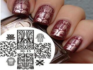 Трафарет на ногтях