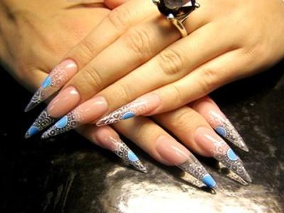 Нарощенные ногти острые