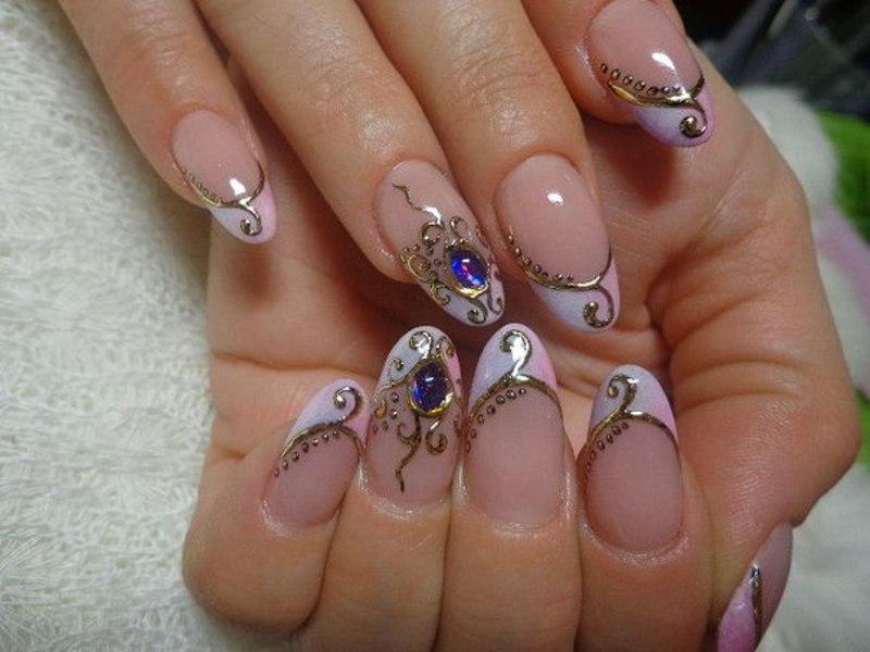 Жидкий камень на ногтях