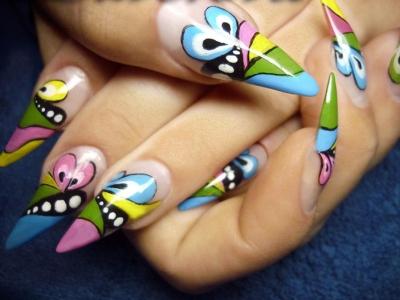 Вариант рисунка на ногтях акриловыми красками
