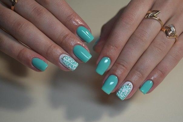Дизайн ногтей в мятном цвете