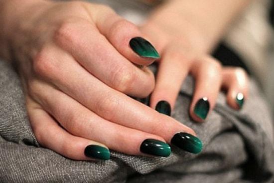 Черно-зеленый омбре