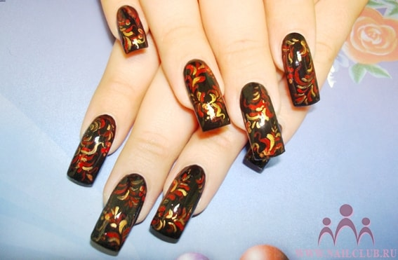 Дизайн ногтей хохлома