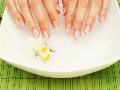 Периодически ногтям нужен отдых и забота