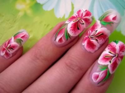 Какими красками рисуют на ногтях