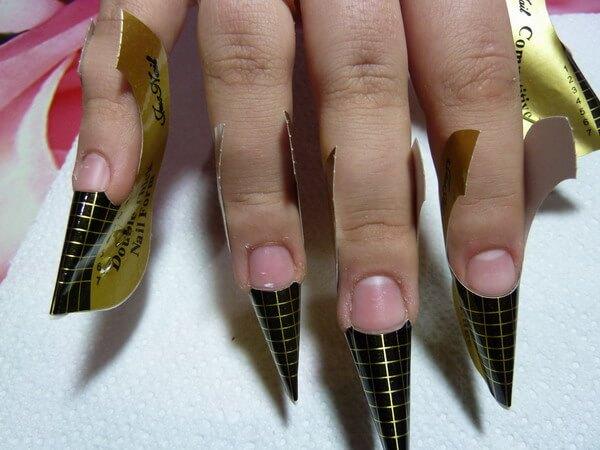 Как нарастить ногти дома на формы