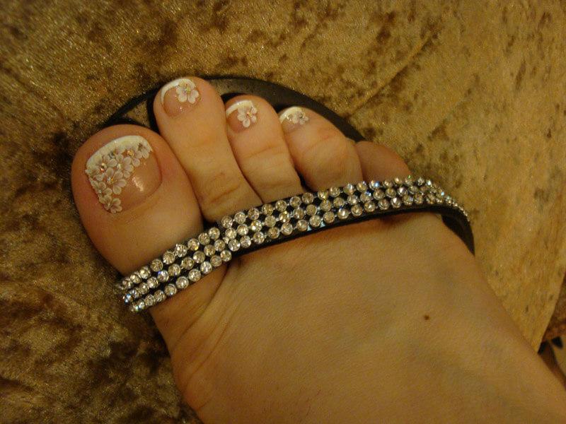 Наращивают ли ногти на ногах для красивого дизайна