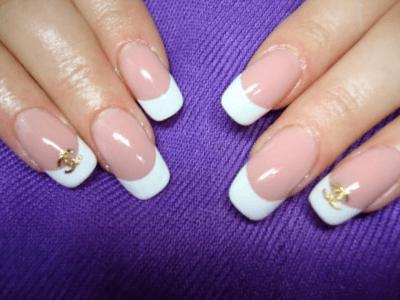 Гелевая технология позволяет искусственным ногтям выглядеть естественно