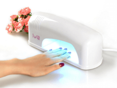 Для нанесения покрытия шеллак обязательно нужна лампа для полимеризации